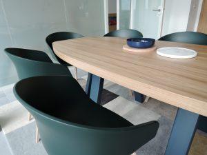 ARTMETA mobilier sur mesure en acier et chêne massif pour paccard balmat
