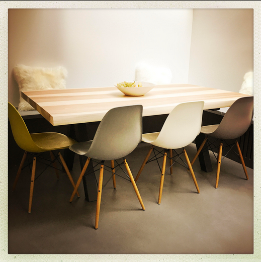 ARTMETA / table Aubier / dimensions 180 x 90 cm / frêne olivier + pied Noir