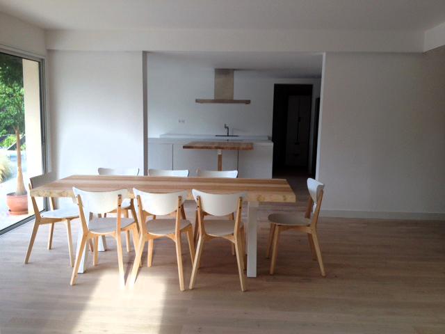 ARTMETA / table Aubier / 220 x 90 cm / frêne olivier / Blanc