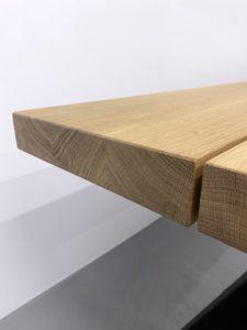 Table artisanale sur mesure / modèle Aubier / Chêne contemporain massif / Option 3 plateaux / Pied en Noir charbon / Fabrication française de haute facture