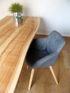 ARTMETA / table Aubier / 280 x 100 cm / frêne olivier + pied Noir
