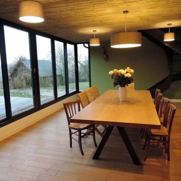 ARTMETA / table Aubier / 300 x 120 cm / chêne naturel + pied RAL 7016