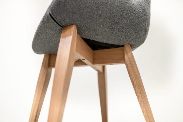 Chaise design cocon de fabrication française / tissu gris souris / ARTMETA