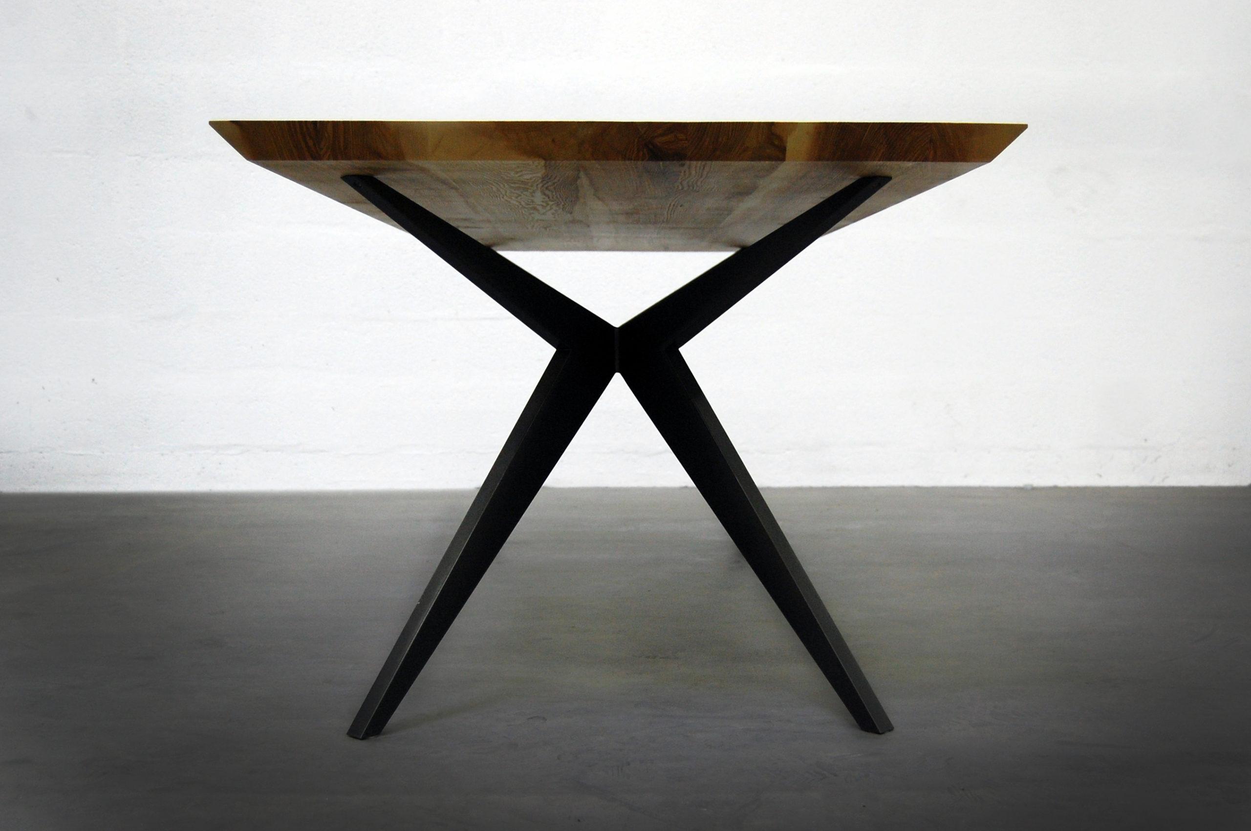 Artmeta : fabrication de tables sur mesure