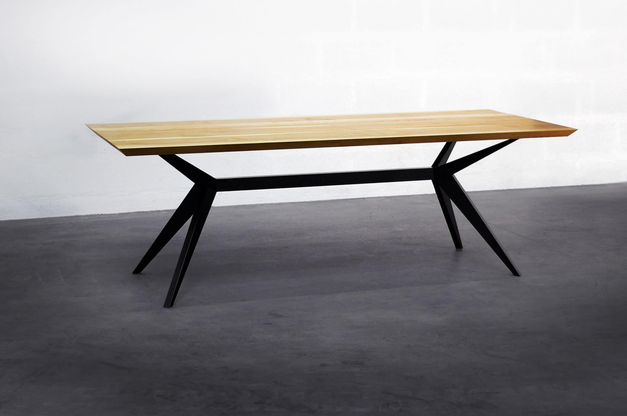 ARTMETA table Papillon 220 x 90 cm / Bois de Frêne olivier