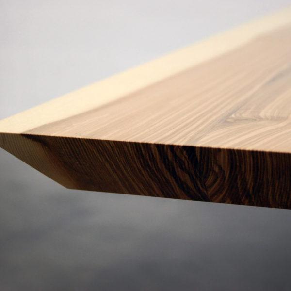 ARTMETA table Papillon / Bois de Frêne olivier / Bords biseautés