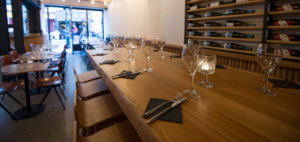 ARTMETA table Aubier pour le restaurant Kuccini Paris