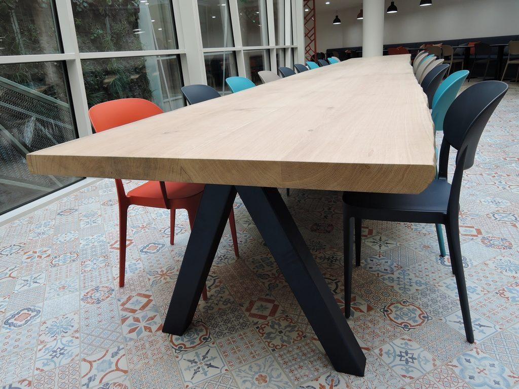 ARTMETA table aubier en chêne massif et acier projet sisley paris