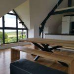 ARTMETA / table Mikado 220 x 100 x H 75 cm avec 2 bancs / frêne olivier et RAL 5008