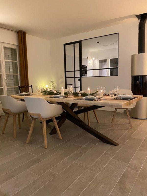 Table Mikado / 250 x 110 x H 75 cm / Frêne olivier massif et pied marron cuivré / Fabrication sur mesure ARTMETA