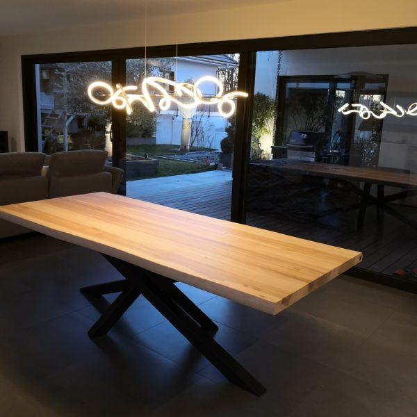 ARTMETA table Mikado / 240 x 105 x H 75 cm / frêne olivier et pied noir charbon
