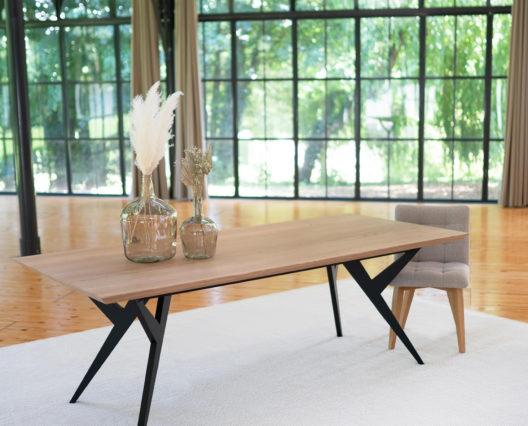 Table Ma Reine de salle à manger en métal et bois massif ARTMETA 1