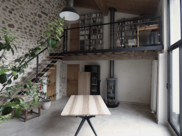 Table à manger Papillon / 180 x 110 x H 75 cm / Frêne olivier et pied noir charbon / Fabrication sur mesure ARTMETA