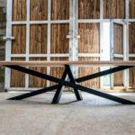 Table mikado en acier et bois massif sur mesure / ARTMETA