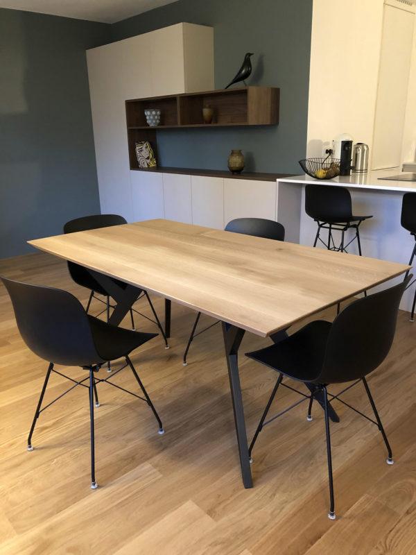 Table Ma Reine / 170 x 90 x H 75 cm / Chêne contemporain et pied noir / ARTMETA