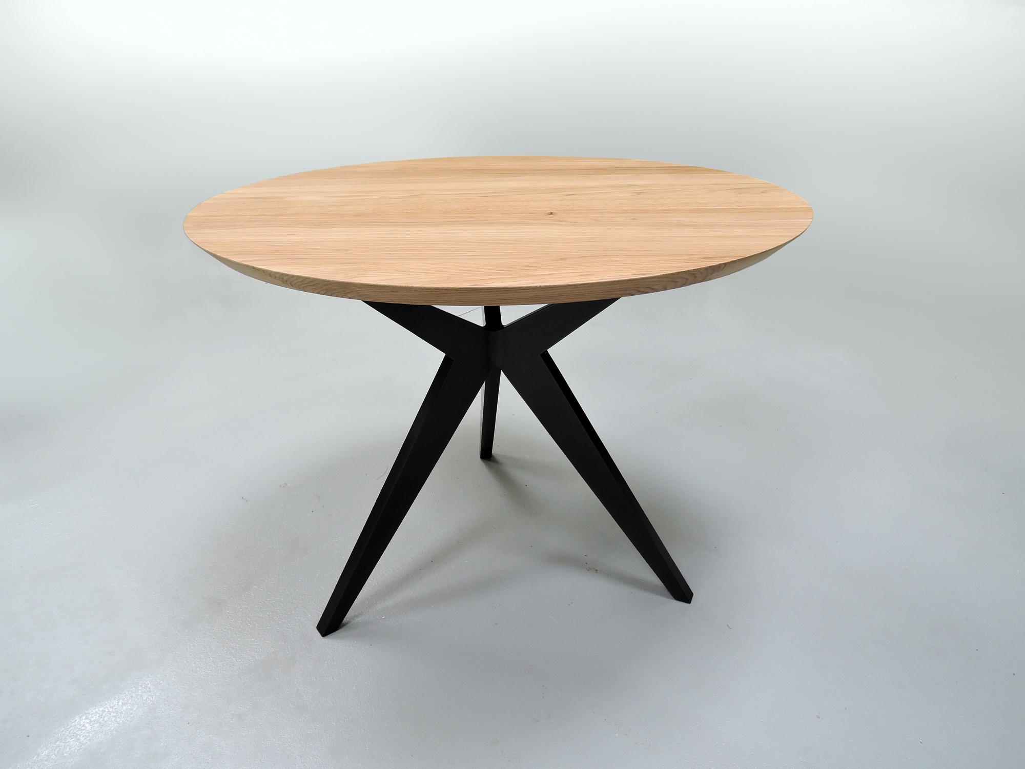 Table A Manger Ronde Papillon Metal Et Bois Massif Design Epure