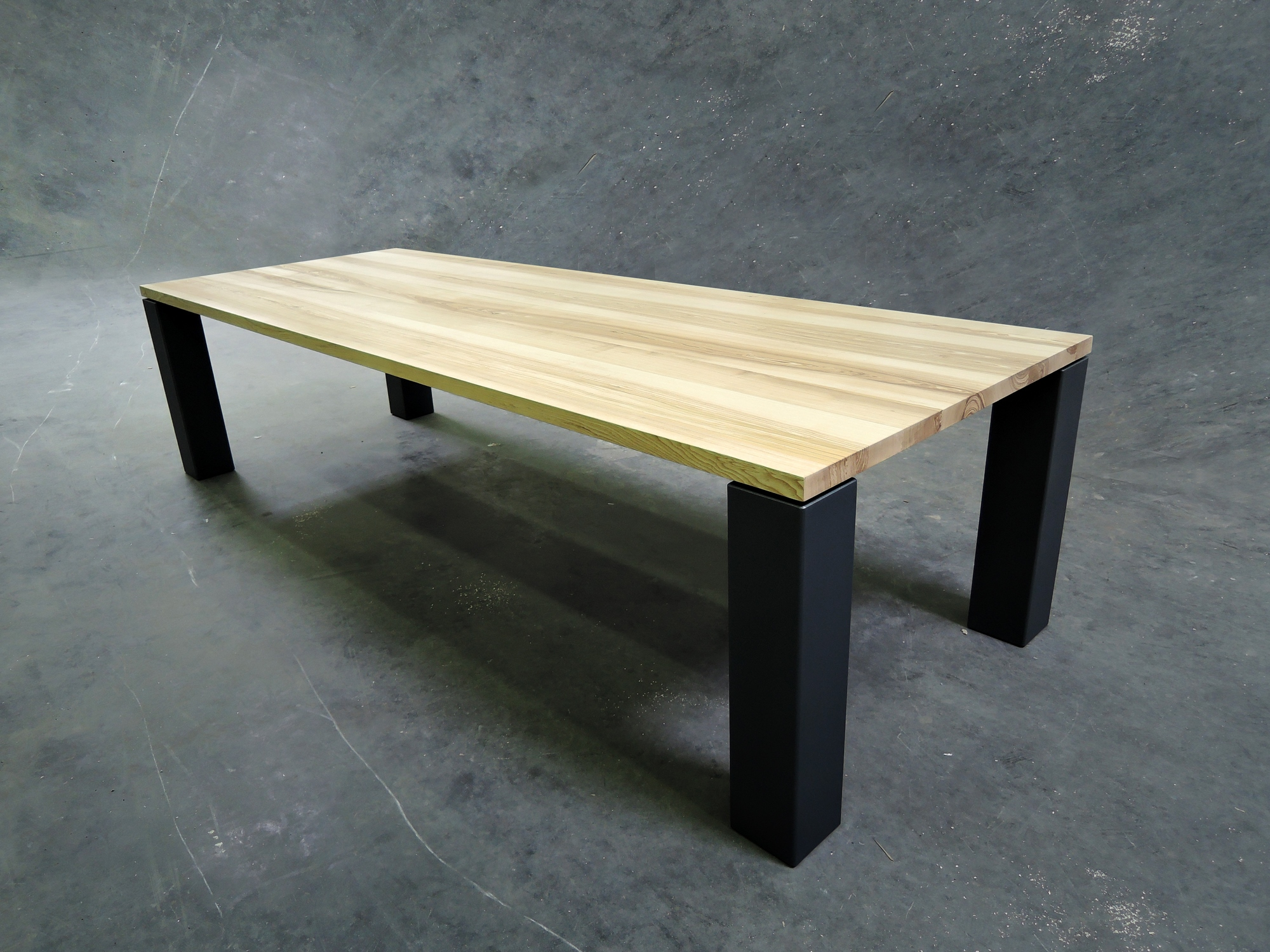 table panorama m tal et bois massif fabrication artisanale. Black Bedroom Furniture Sets. Home Design Ideas