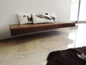 artmeta banc suspendu en bois sur mur courbe 1 copier artmeta. Black Bedroom Furniture Sets. Home Design Ideas