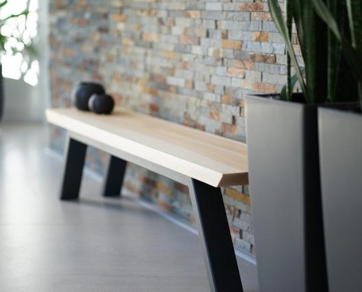 ARTMETA / Banc élémentaire / Assise en frêne olivier massif épaisseur 40 mm / Piétement acier fin en RAL 7016