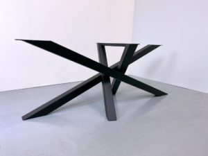ARTMETA / pied de table design Mikado sur mesure en acier