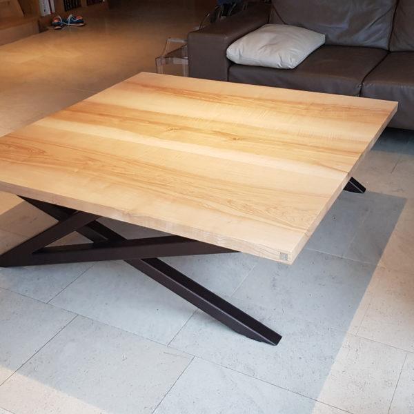 ARTMETA / table basse signature / 140 x 140 x H 45cm / frêne olivier et pied marron cuivré