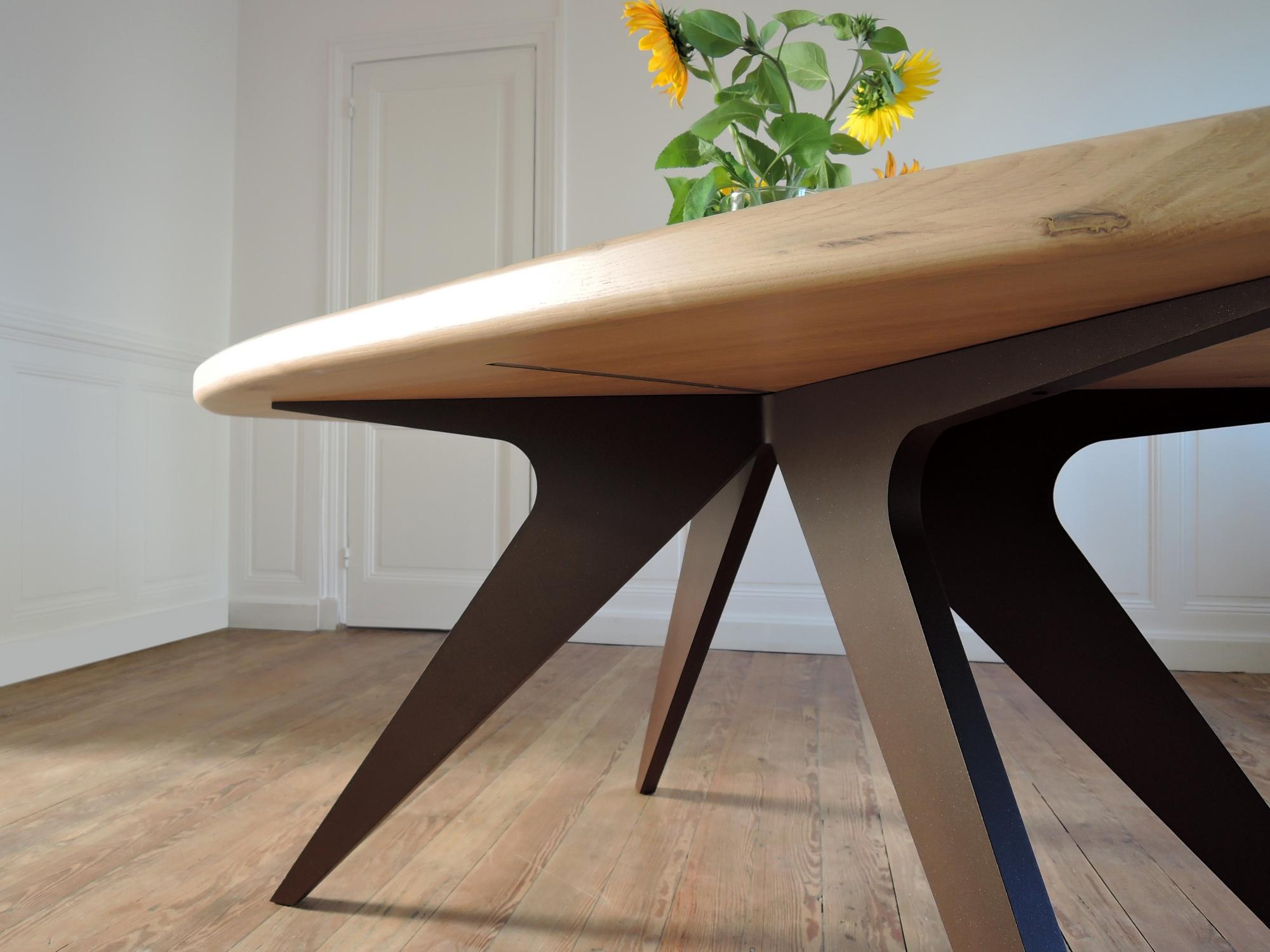 table m duse m tal et bois massif design pur fabrication artisanale. Black Bedroom Furniture Sets. Home Design Ideas