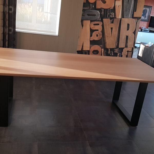 ARTMETA / table Urbaine 240 x 110 cm / chêne naturel prestige et noir chabon
