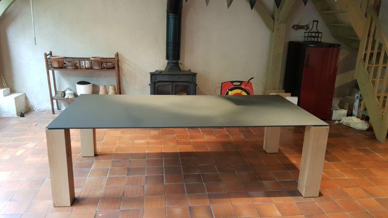 ARTMETA / table Contraste 250 x 120 cm / plateau gris acier et pieds en chêne naturel
