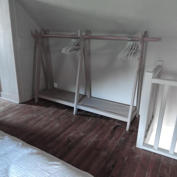 ARTMETA portant TIPI acier couleur sable mouillé et bois massif