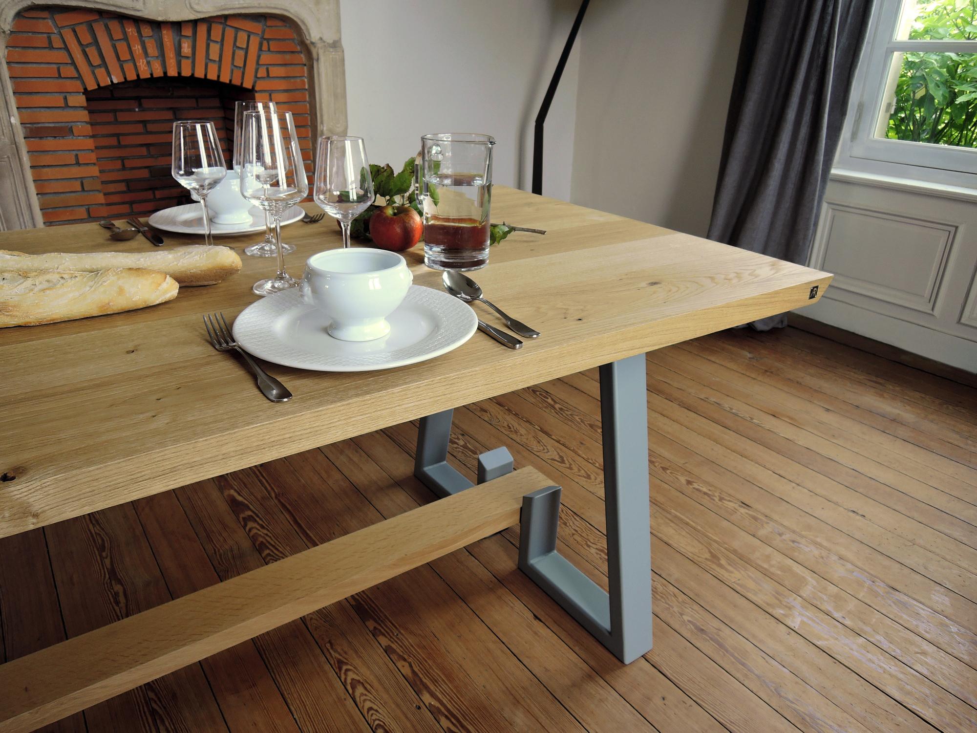artmeta table d tour sur mesure en acier et bois massif artmeta. Black Bedroom Furniture Sets. Home Design Ideas
