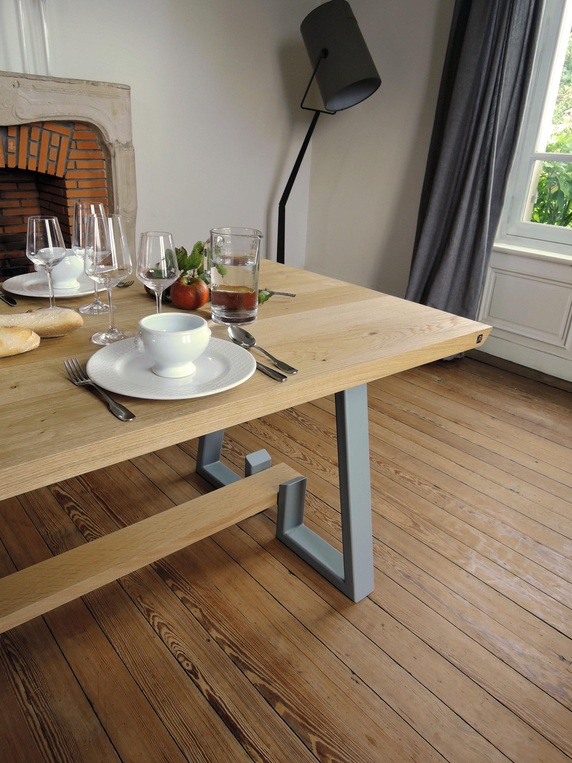 ARTMETA / table Détour sur mesure en acier et bois massif