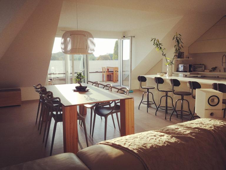 ARTMETA / table Contraste 210 X 100 cm / sable mouillé et chêne naturel
