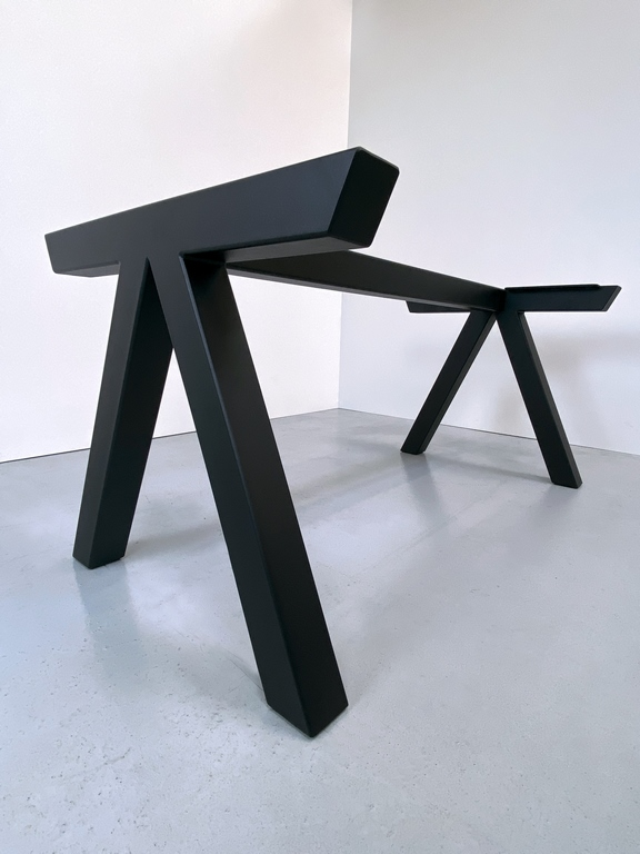 ARTMETA / Pied de table Aubier sur mesure en acier