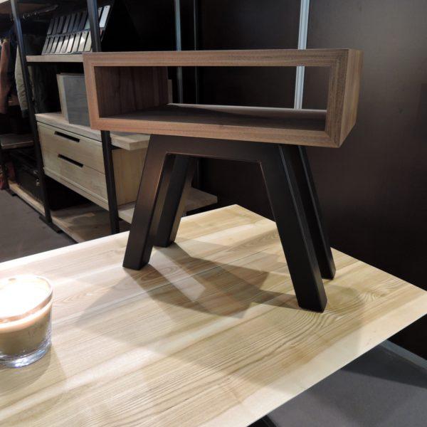 ARTMETA / table de chevet BIQUET / acier et bois massif
