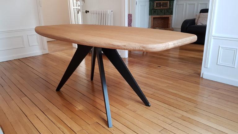 ARTMETA / table Méduse 190 x 90 cm plateau en chêne naturel et piétement charbon noir