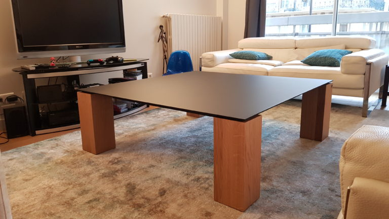 ARTMETA / table basse Contraste 120 x 120 x H 40 cm / chêne naturel section 15x15 cm / Plateau noir charbon