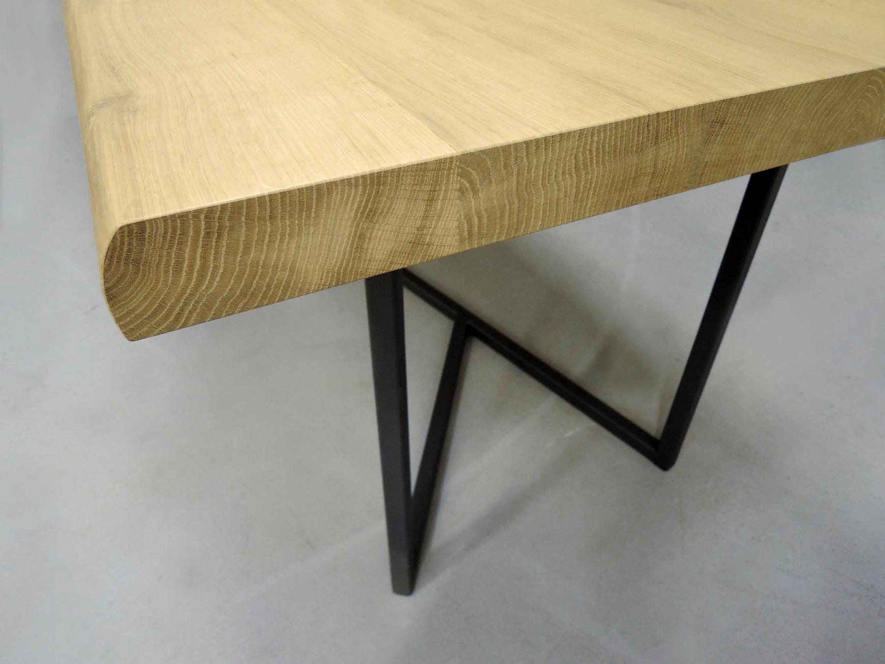 ARTMETA / table Empreinte sur mesure en acier et bois massif