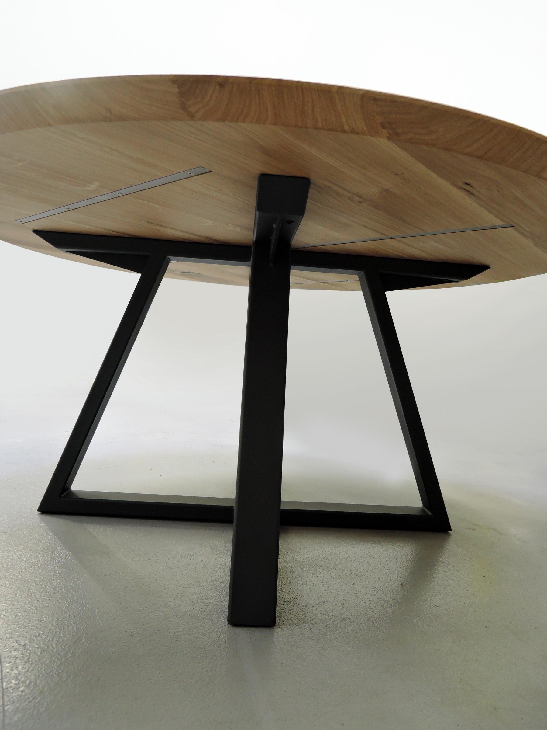Table Symbole Ronde / Métal Et Bois Massif / Design épuré