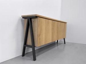 Buffet de salle à manger Compas en acier et bois massif / L180 x P45 x H90 cm / Chêne contemporain et pied gris acier / ARTMETA