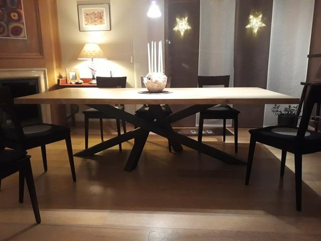 ARTMETA / table Mikado 240 x 110 cm / chêne naturel 4 bords droits et gris acier