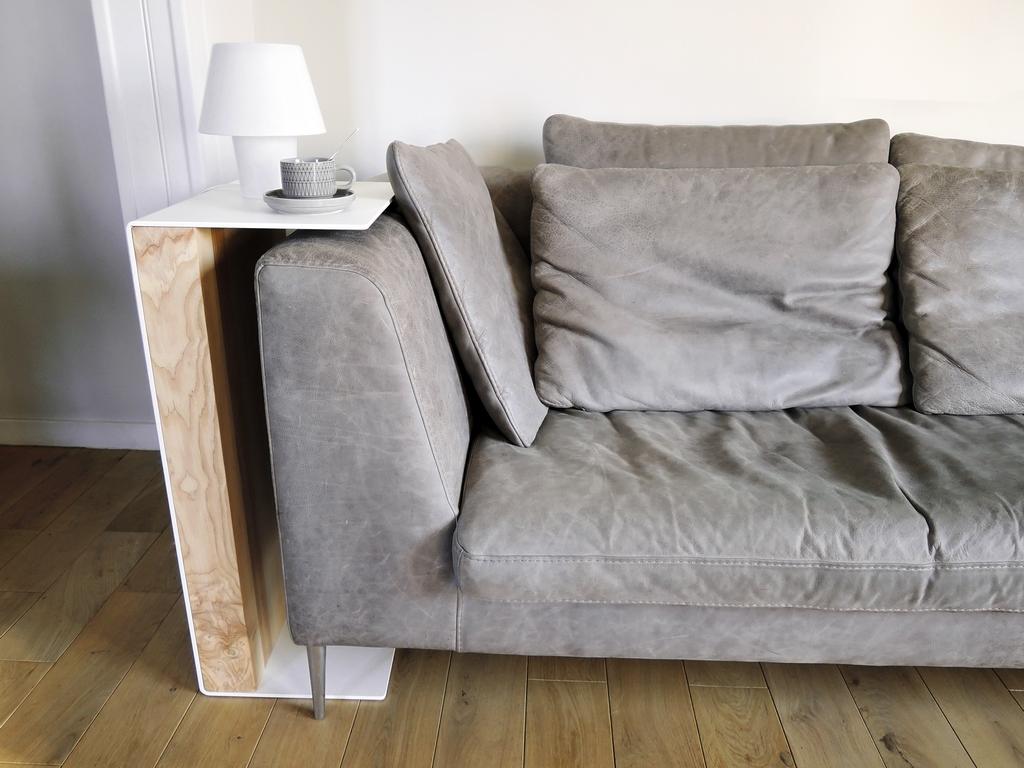 ARTMETA / bout de canapé Pause / en acier et bois massif