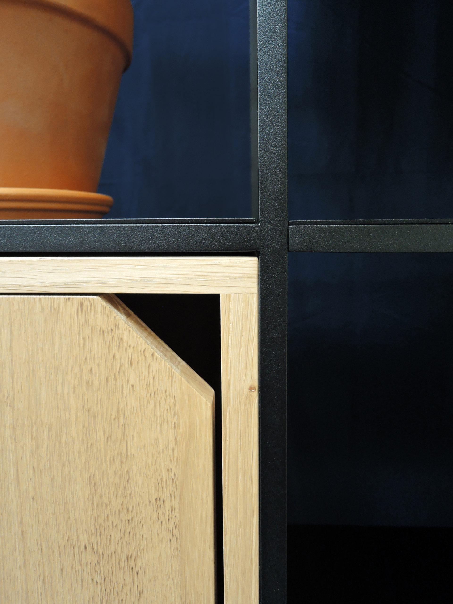 ARTMETA / bibliothèque cubes 18 cases / acier et bois massif
