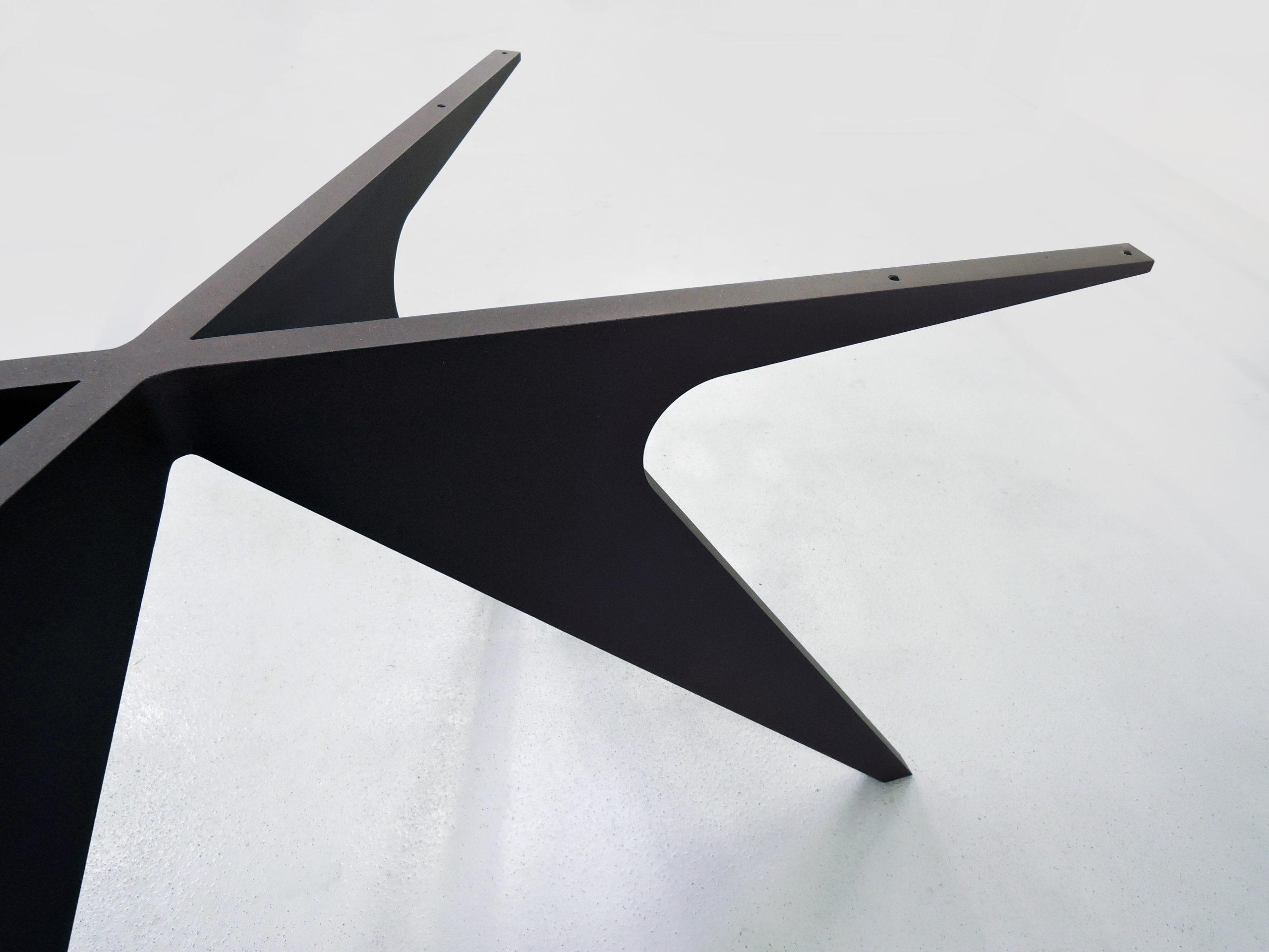 ARTMETA / pied de table Méduse sur mesure en aluminium pleine masse