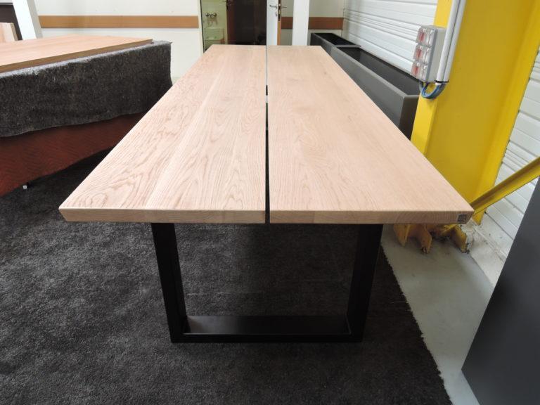 ARTMETA / Table Urbaine 300 x 100 x H 75 cm / chêne naturel + pied noir