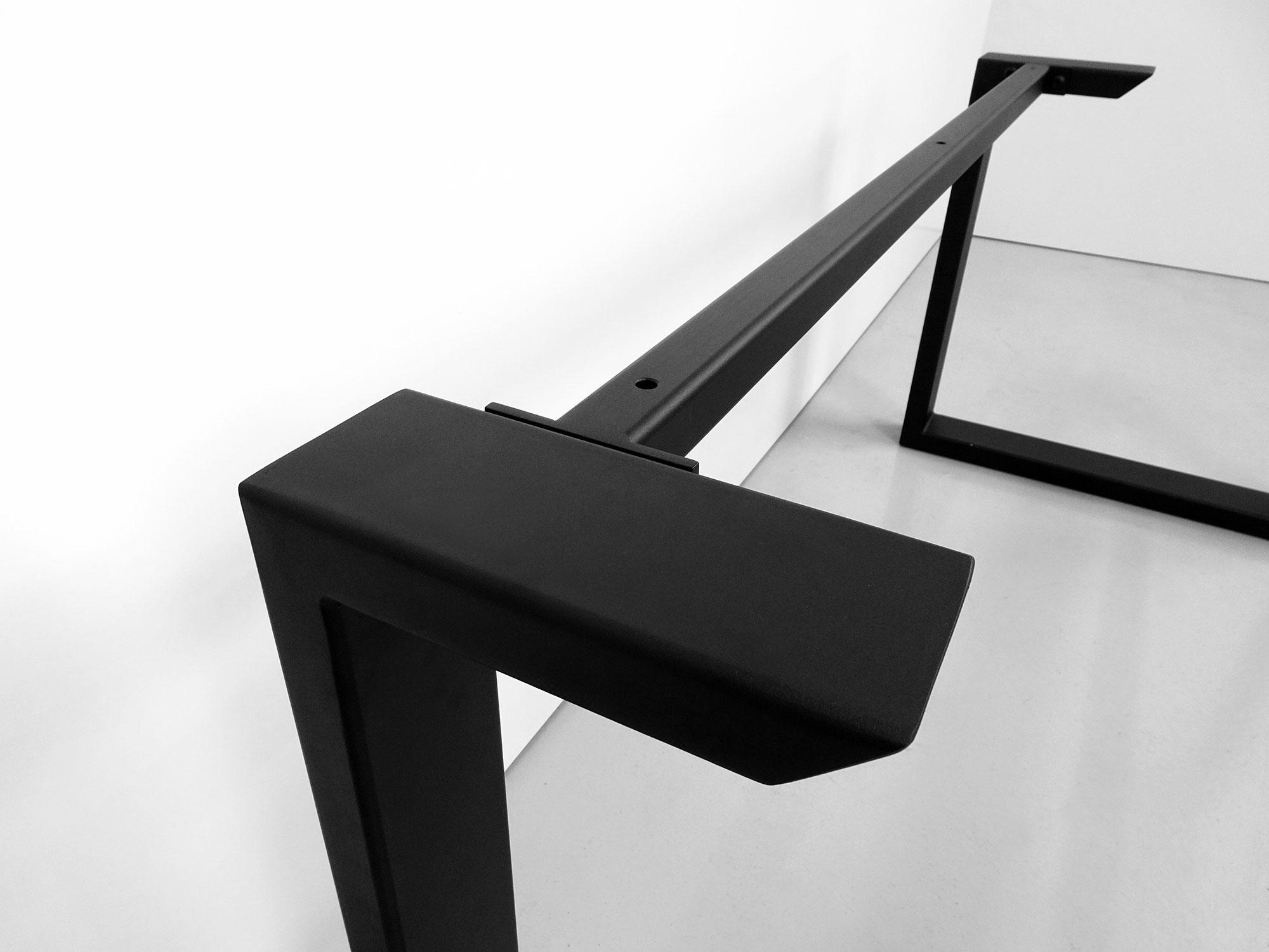 ARTMETA / pied U acier sur mesure / table Urbaine