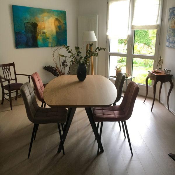 """ARTMETA / Table Ma Reine de forme """"surf"""" / 160x100 cm en chêne naturel massif et pied noir doré"""