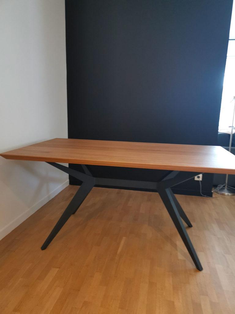 ARTMETA / table papillon 160x90 cm en chêne naturel massif avec pied RAL 7016