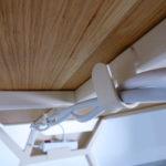 ARTMETA / Bureau Malin avec passe câbles / acier et bois massif