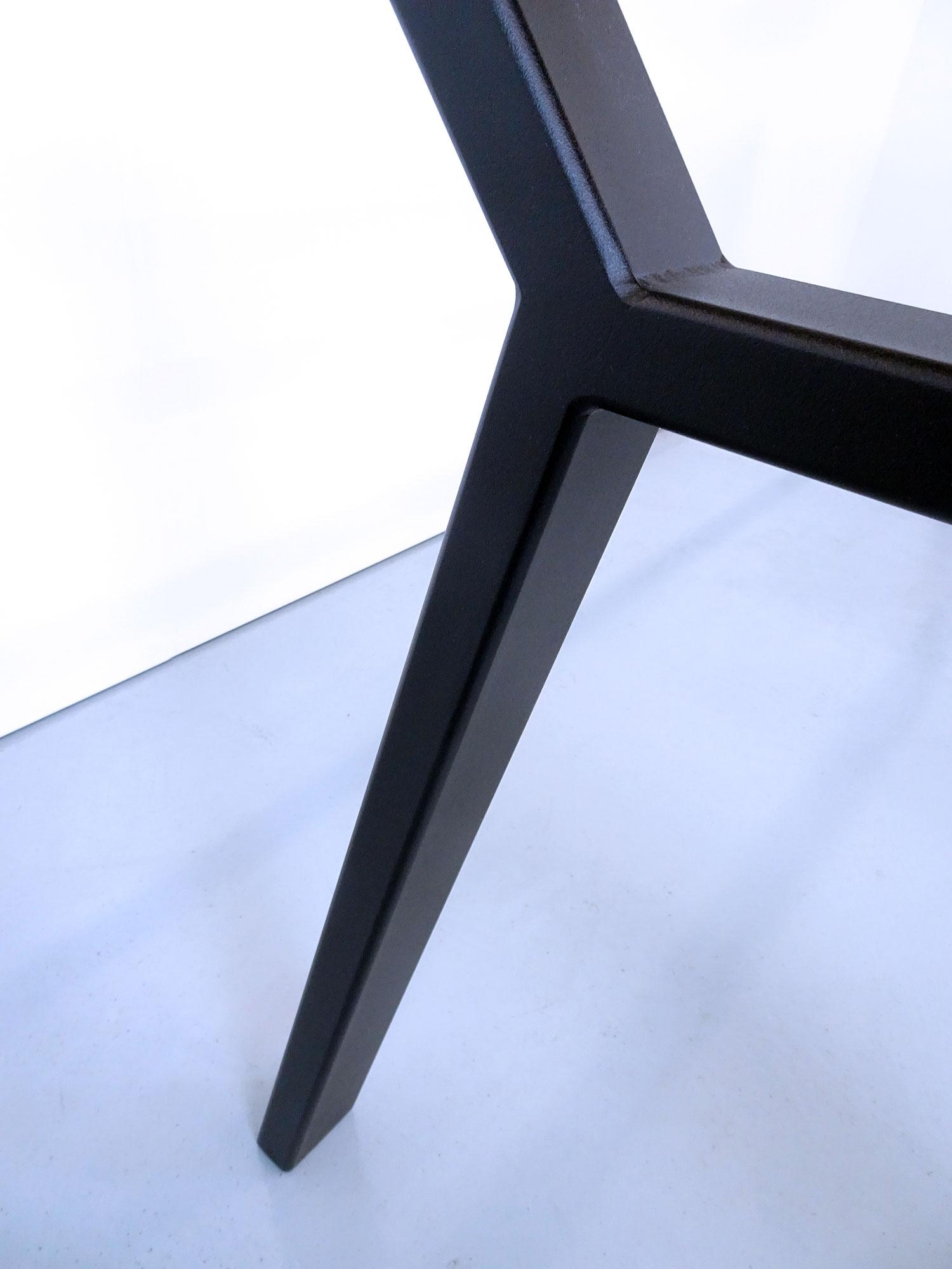 ARTMETA / Pied de table Hameau sur mesure en acier