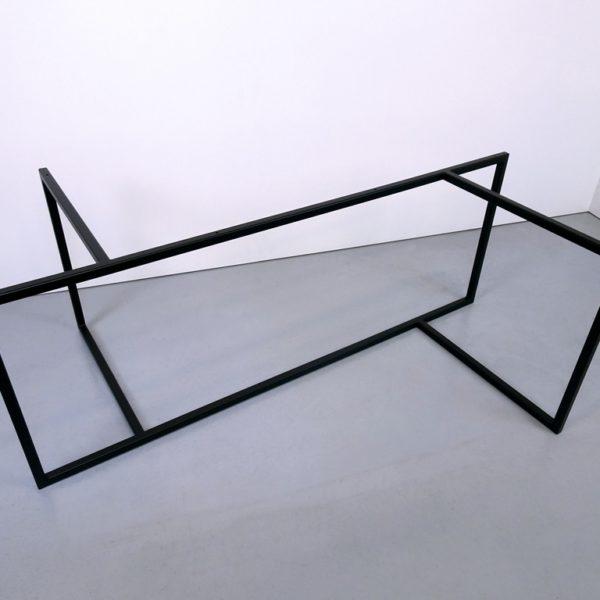 ARTMETA / pied de table Empreinte sur mesure en acier